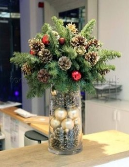 Tips To Make DIY Christmas Table Decorations 25
