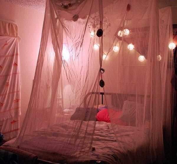 Ways To Use Christmas Light In Your Room 26