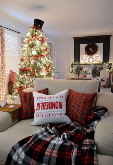 Ways To Use Christmas Light In Your Room 48