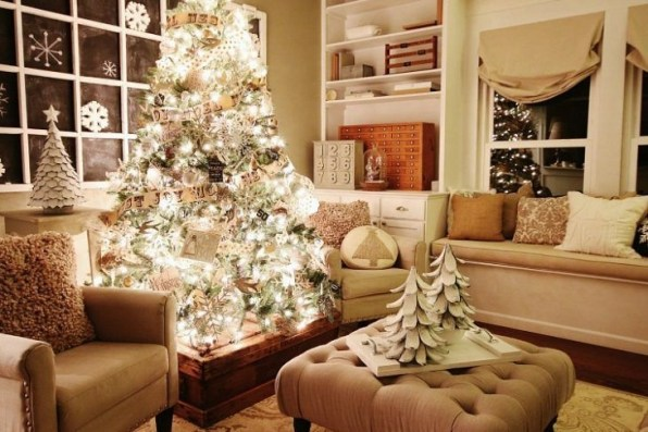 Ways To Use Christmas Light In Your Room 59