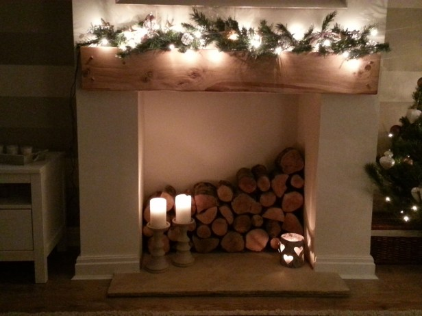 Winter Fireplace Decoration Ideas 20
