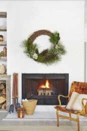 Winter Fireplace Decoration Ideas 31