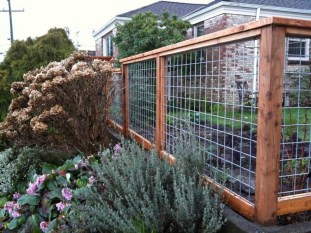Amazing House Fence You Can Build In Your Garden 19