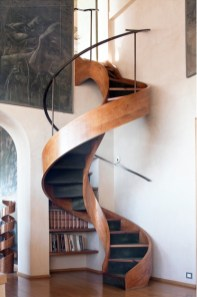 Best And Elegant Wooden Stairs In Your House 01