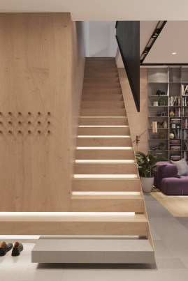 Best And Elegant Wooden Stairs In Your House 24