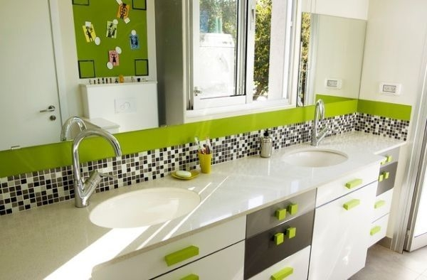 Stunning Colorful Bathroom Decoration For Your Kids 04