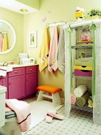 Stunning Colorful Bathroom Decoration For Your Kids 29