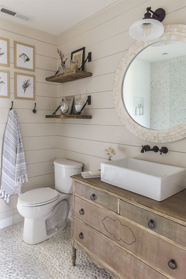Vintage Farmhouse Bathroom Decor You Will Try 25