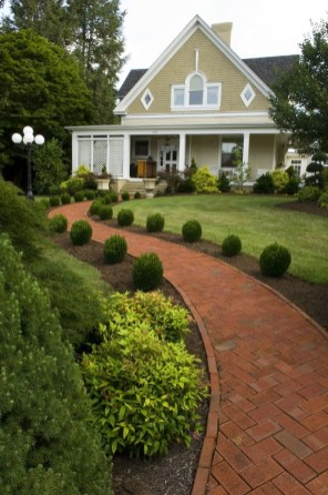 Best Walkways Idea In Your Front Yard 07