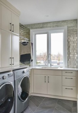 Contemporary Laundry Room Decor Ideas You Can Try For Your House 18