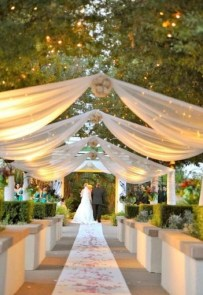 Create Beautiful Outdoor Wedding Decoration You Will Love 31