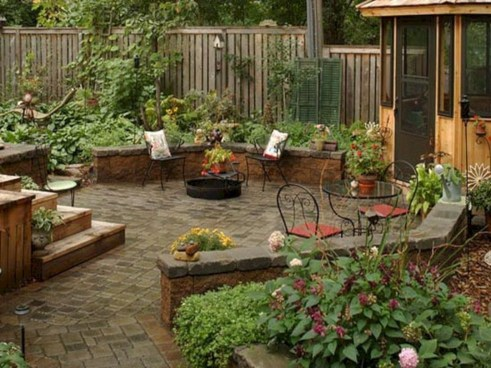 Incredible Small Backyard Ideas For Relax Space 36
