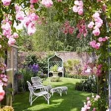 Incredible Small Backyard Ideas For Relax Space 39