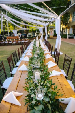 Simple Centerpieces Decoration For Inspiration Your Wedding 05