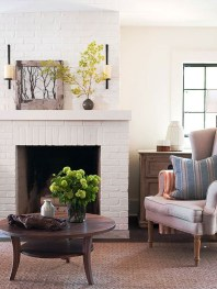 Spring Mantel Decorating Ideas For Fireplace In Living Room 32