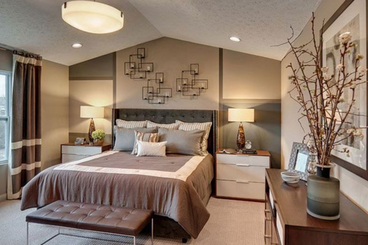 Stylish And Elegant Master Bedroom Idea For Your Family 11