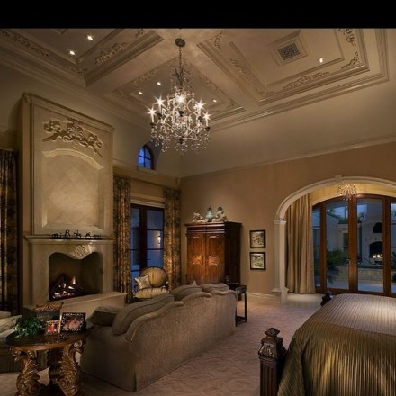 Stylish And Elegant Master Bedroom Idea For Your Family 24