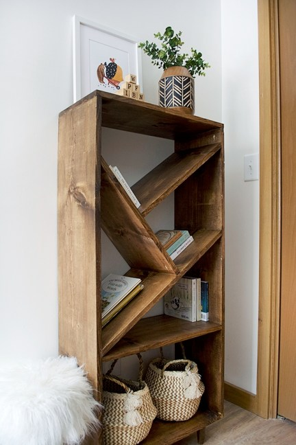 Amazing DIY Bookshelves You Can Do 17