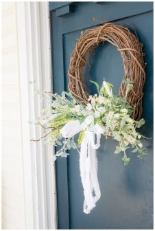 DIY Simple Spring Wreath For Your Door 15