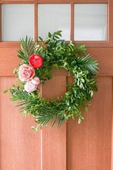DIY Simple Spring Wreath For Your Door 16