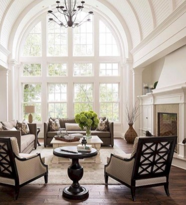 Elegant Living Room Decor You Can Try 22