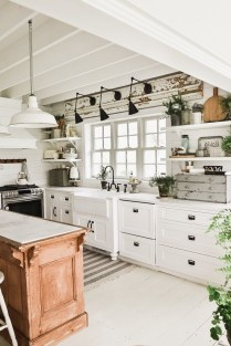 Genius Farmhouse Kitchen Decoration To Be Inspire 19
