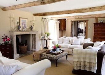 Incredible European Farmhouse Living Room Design Ideas 10