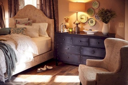 Stylish Bedroom Design Ideas For American Style Houses 28