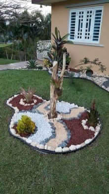Fresh And Beautiful Side Yard Decoration You Must Have 07