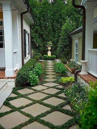 Fresh And Beautiful Side Yard Decoration You Must Have 08