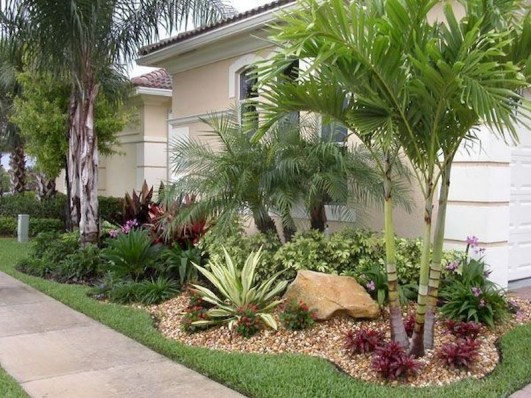 Fresh And Beautiful Side Yard Decoration You Must Have 17