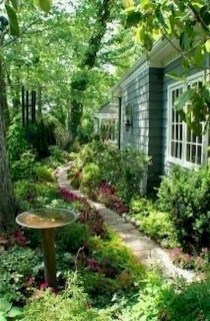 Fresh And Beautiful Side Yard Decoration You Must Have 28