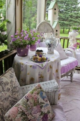 Awesome Summer Porch Decoration Ideas 31