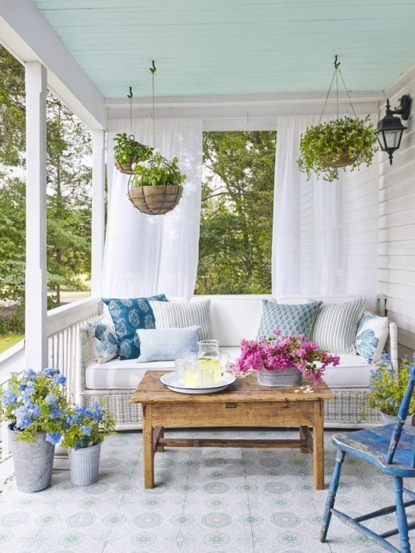 Awesome Summer Porch Decoration Ideas 35