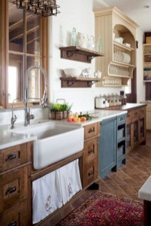 Best DIY Farmhouse Kitchen Decorating Ideasl 36