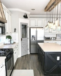 Best DIY Farmhouse Kitchen Decorating Ideasl 40