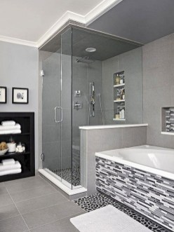 Gorgeous Small Master Bathroom Remodel Ideas 10