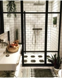 Gorgeous Small Master Bathroom Remodel Ideas 29