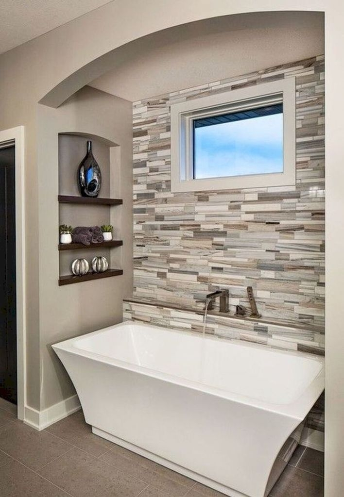 Gorgeous Small Master Bathroom Remodel Ideas 37