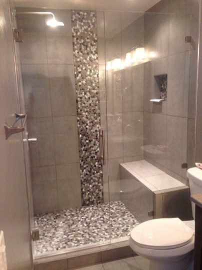 Gorgeous Small Master Bathroom Remodel Ideas 38