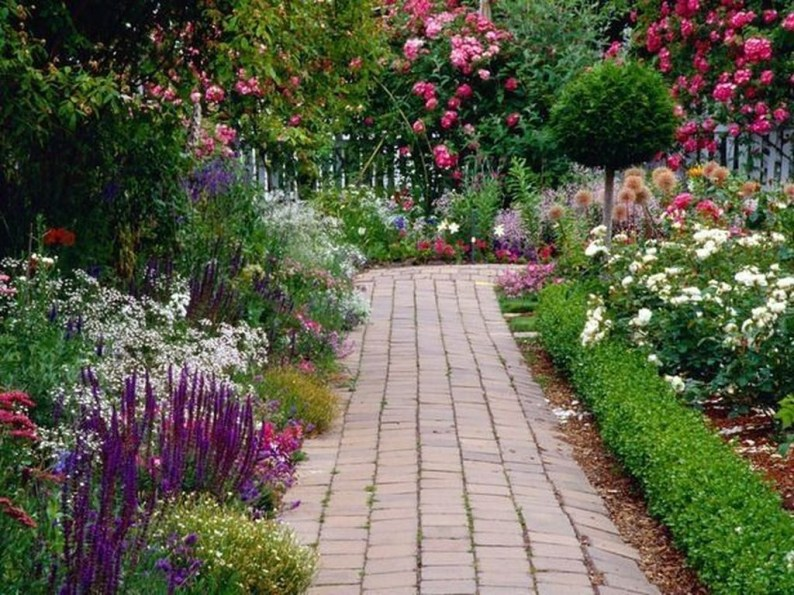 Perfect Landscaping Ideas For Your Summer 29