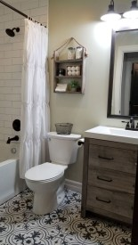 Amazing Farmhouse Bathroom Decor For Small Space 27
