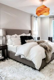 Amazing Master Bedroom Decoration For Fall 10