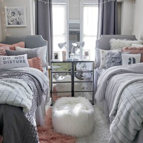 Awesome Dorm Room Decoration With Double Bed 04