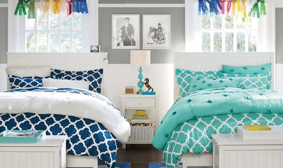 Awesome Dorm Room Decoration With Double Bed 32