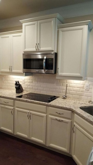 Best Subway Tile Backsplash Ideas For Any Kitchen 22