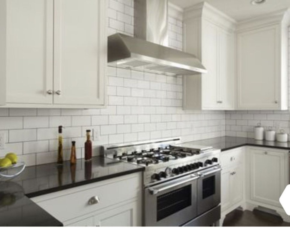 Best Subway Tile Backsplash Ideas For Any Kitchen 25