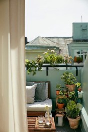 Cozy Garden Balcony Design And Inspiration 01