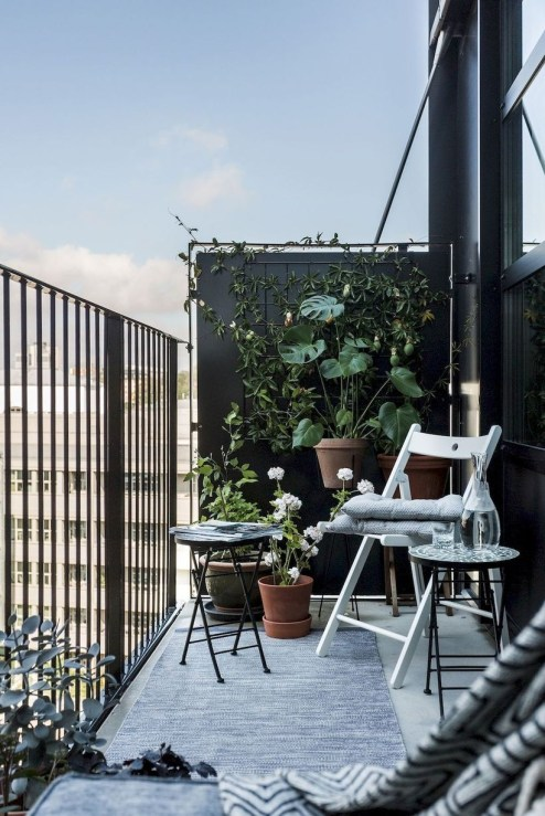 Cozy Garden Balcony Design And Inspiration 11