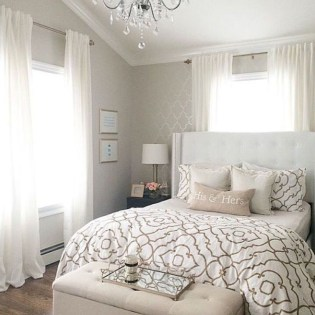 Easy Tips To Decorate Small Master Bedroom With Neutral Color 01
